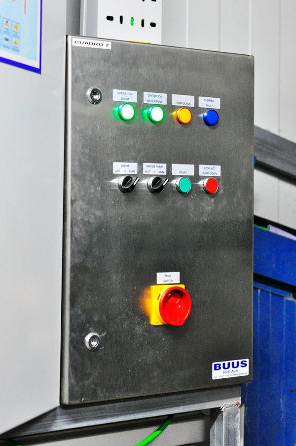 Cuadro De Maniobra Y Protecciones Del Generador De Hielo En Escama Buss 9TN/24 H