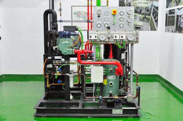 Instituto Marítimo De Vigo. Unidad Compresora Con Compresor De Tornillo De 64 CV Para Túnel De Congelación